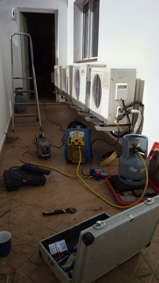 Air Conditioning Servicing Velez Malaga