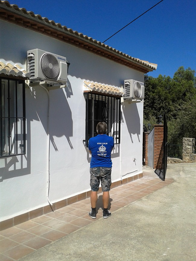 Air Conditioning Repairs Velez Malaga