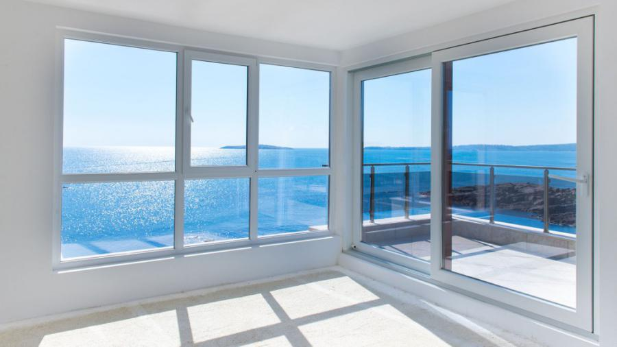 Glass curtains Malaga Marbella Estepona