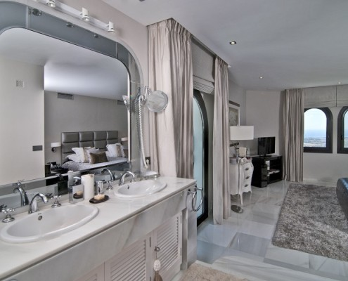 Custom Kitchens and Bathrooms Marbella