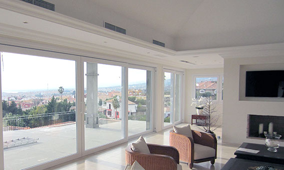 glass curtains marbella