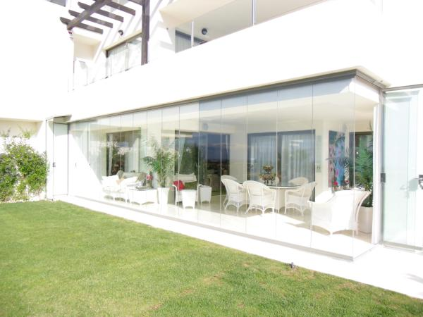 installation of glass curtains Fuengirola