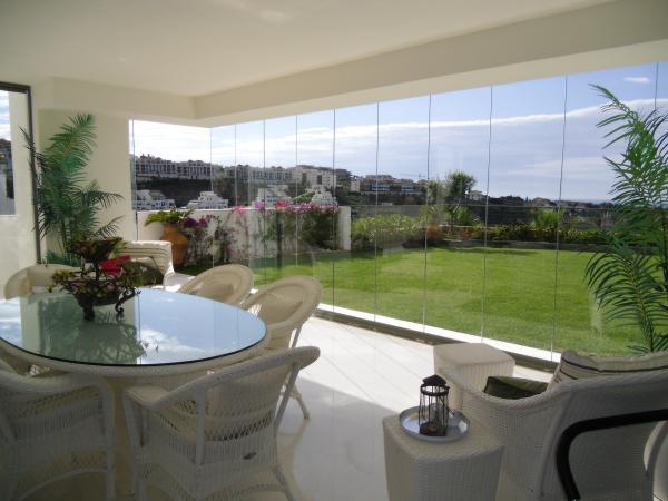 installation of glass curtains Marbella
